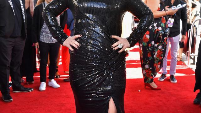Kelly Clarkson já escreveu 60 canções durante divórcio