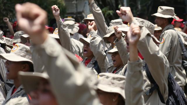 """Forças Armadas confirmam lealdade """"ao único Presidente, Nicolás Maduro"""""""