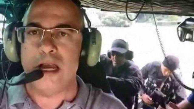 Governador do Rio sobe em helicóptero com atirador