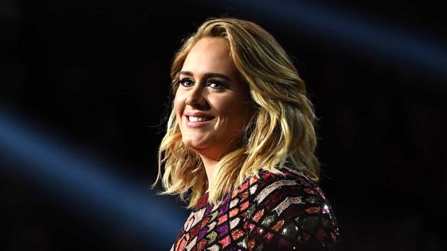Após divórcio, Adele engata relacionamento com rapper Skepta