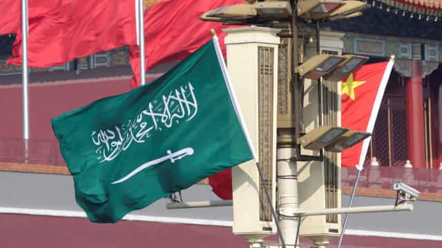 Arábia Saudita suspende restrições a mulheres para facilitar turismo