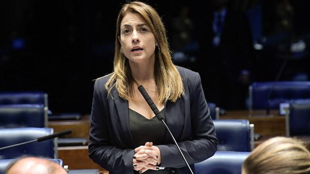 Senadora do PSL diz que manifestantes devem 'cobrar o Centrão'
