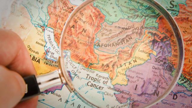 Homem bomba mata pelo menos nove pessoas no Afeganistão