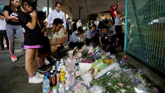 Esfaqueamento em massa assusta moradores de Tóquio