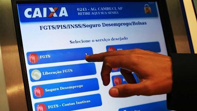 Governo estuda liberar saque de até 35% do saldo de contas do FGTS