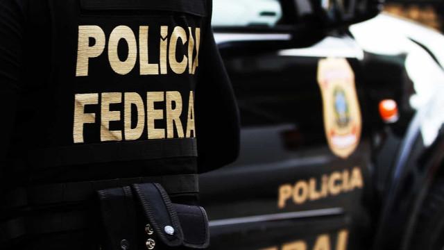 Representantes do governo federal vão à Cinemateca acompanhados pela PF