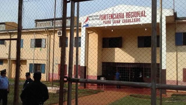 Detentos do PCC mantinham cela de luxo em presídio no Paraguai