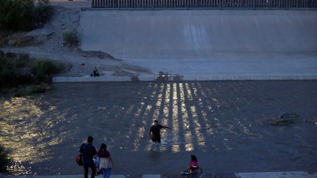 Pai e filha morreram afogados tentando migrar para os EUA