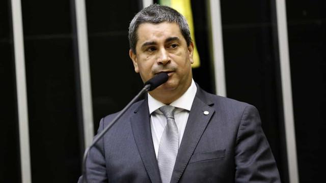 'Querem sair do PSL, mas levar dinheiro da campanha', critica deputado
