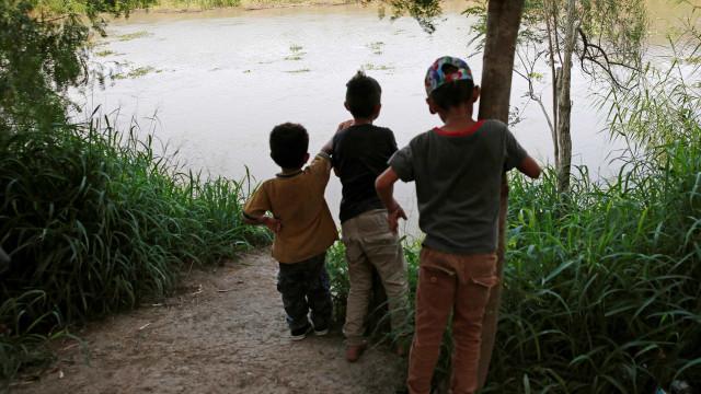 Criança brasileira desaparece em rio na fronteira de México e EUA