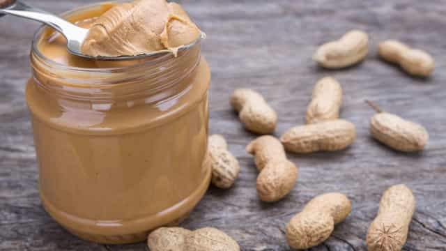Quatro bons motivos para comer amendoins todos os dias