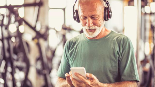 Os 5 melhores headphones para acompanhar o treino