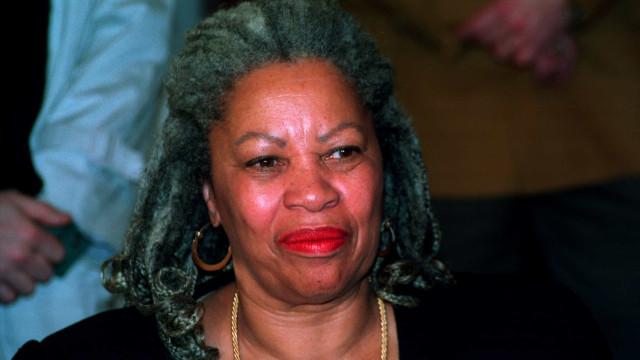 Morre Toni Morrison, primeira negra a ganhar o Prêmio Nobel, aos 88