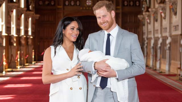 Mãe de Meghan muda para casa da filha e do príncipe Harry