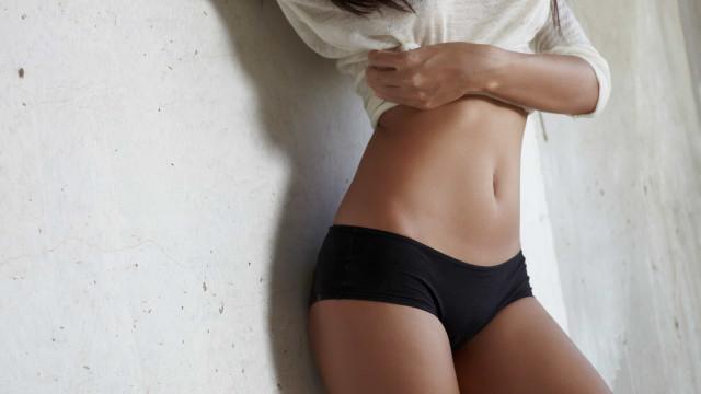 Barriga chapada: treino eficaz de cinco minutos para o abdômen