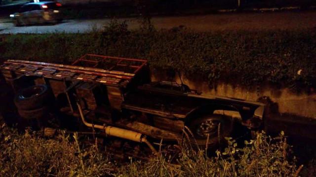 PRF apreende 1,8 tonelada de maconha após caminhão cair em valeta