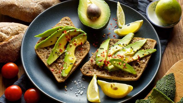 Colesterol no limite: Nove alimentos que ajudam a prevenir a condição
