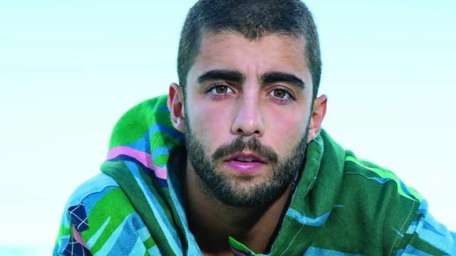 Amigo de Pedro Scooby diz que surfista será pai, mas apaga post