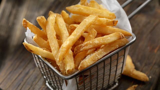 Consumo excessivo de batatas fritas pode provocar cegueira?