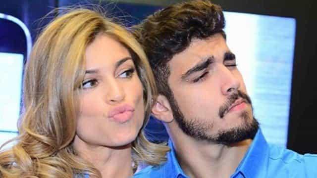 Grazi Massafera e Caio Castro se beijam durante festa de Luciano Huck