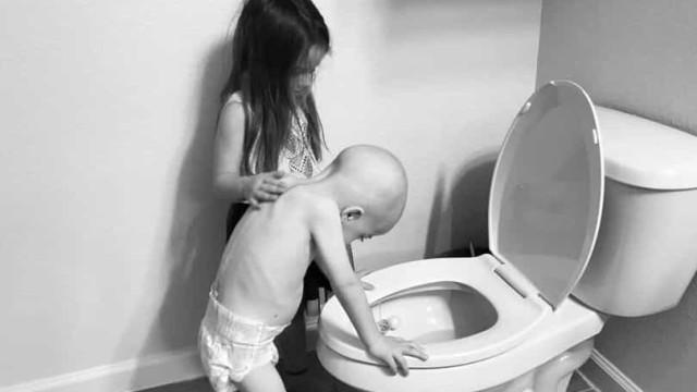Criança de imagem que se tornou viral em 2019 venceu o câncer