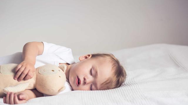 Especialista explica distúrbios do sono em bebês e crianças