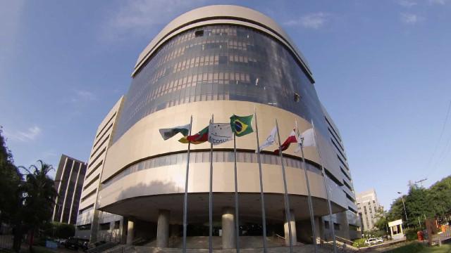 TRF-4 mantém condenação a pescador de camarão de SC por crime ambiental
