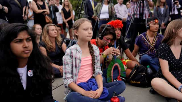 Greta Thunberg rejeita prêmio ambiental
