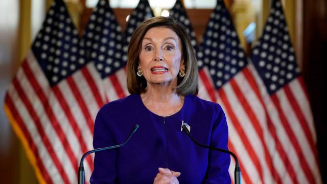 Novo Congresso dos EUA assume, e Nancy Pelosi é reeleita presidente da Câmara