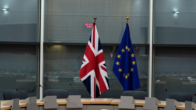 Milhares de europeus têm risco de ficar ilegal no Reino Unido