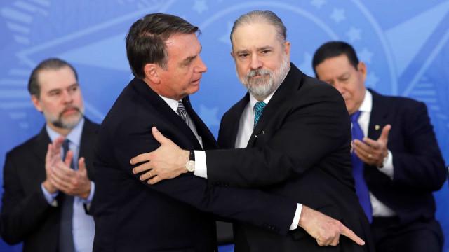 Aras defende buscar 'verdade real' sobre facada em Bolsonaro