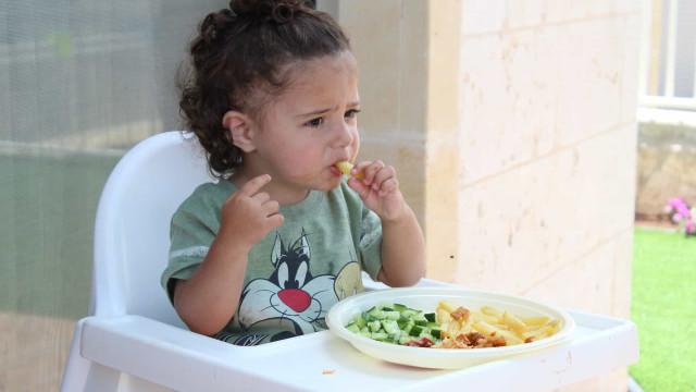 Introdução alimentar: como apresentar os alimentos às crianças