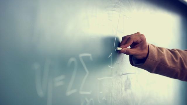 Professores vão de casa em casa para trazer alunos de volta à escola em SP
