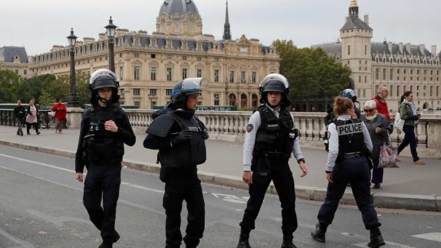 Autor do ataque em Paris terá aderido a visão radical do Islã