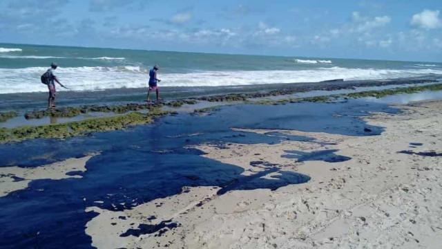 Inpe diz que óleo veio do Mar da áfrica