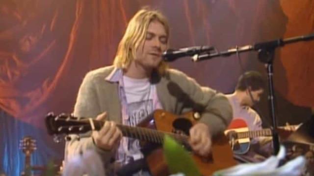 Casaco de malha usado por Kurt Cobain vai a leilão