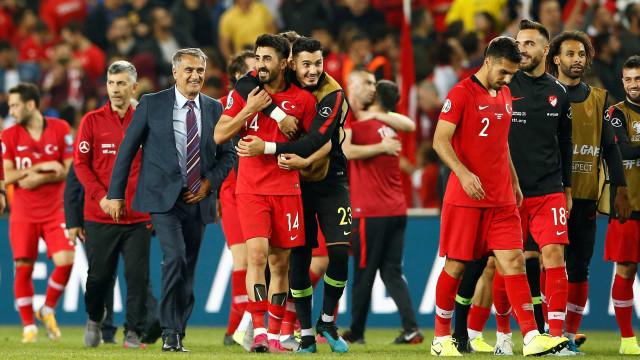 França e Turquia vencem e ficam perto da classificação para a Euro-2020