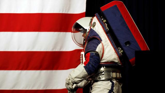 NASA divulga duas novas roupas para astronautas