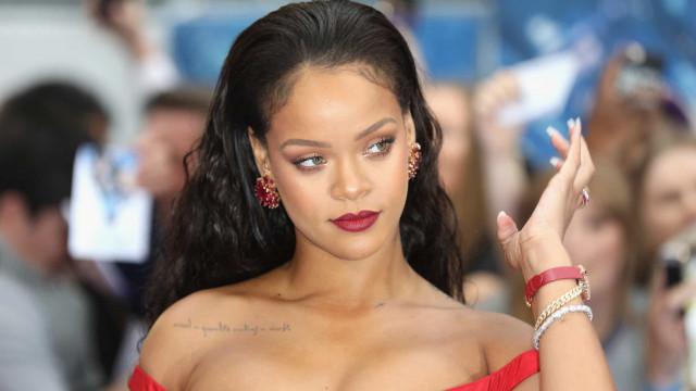 Chega ao fim namoro de três anos de Rihanna