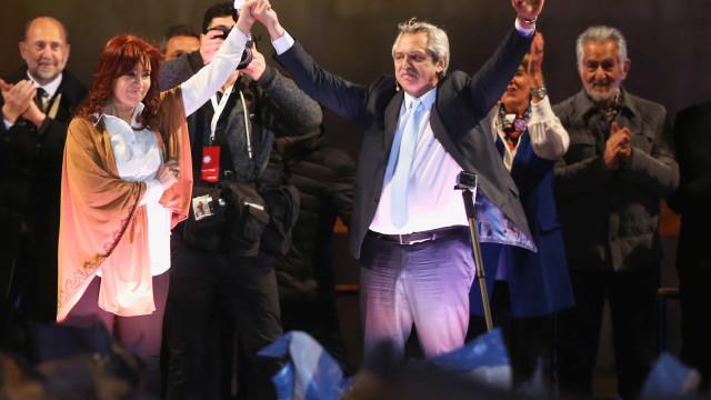 Alberto Fernández e Kirchner celebram liberdade de Lula