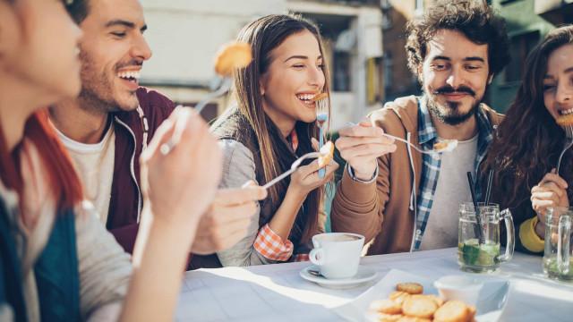 Para emagrecer conte o número de garfadas à refeição, a ciência explica