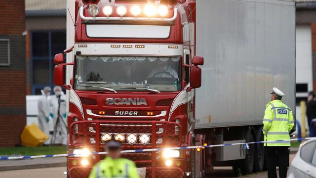 Revelada imagem dos donos do caminhão onde foram encontrados 39 corpos
