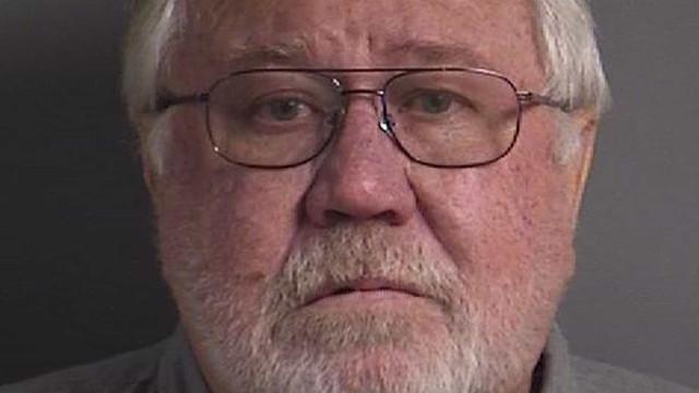 Homem mata esposa por causa de dinheiro desaparecido de conta conjunta
