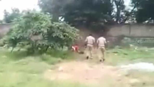 Menina é resgatada no momento em que família ia enterrá-la viva