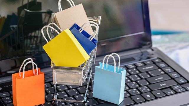 Black Friday tem disparada de pedidos online e lojas físicas vazias