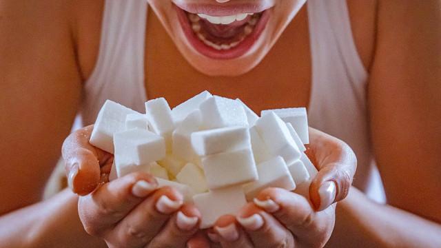 Açúcares refinados aceleram o processo de envelhecimento da pele