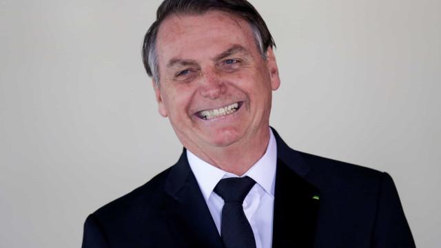 Bolsonaro acusa PT de ir 'para cima' de Carlos
