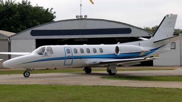 Uma pessoa morre em queda de avião em pista de resort de luxo na Bahia