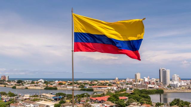 Pelo menos três mortos e 98 detidos nos protestos na Colômbia