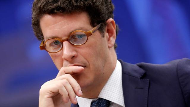 Parlamentares vão ao STF para derrubar decisão de Salles